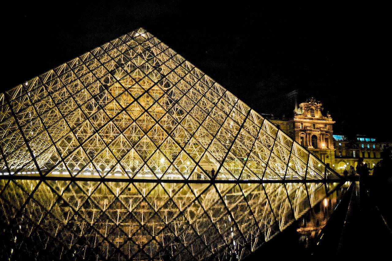 La pyramide du louvre ecole de labergement les auxonnne - Pyramide du louvre 666 ...